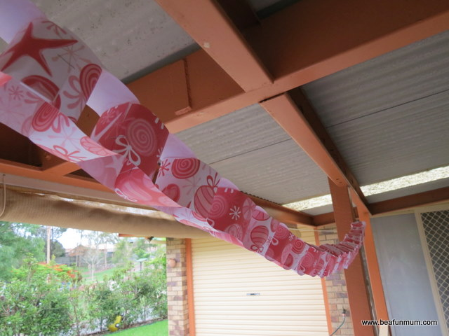 Christmas Paper Chain -- free printable -- above a window