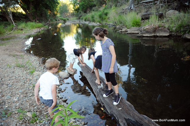 exploring stream kids