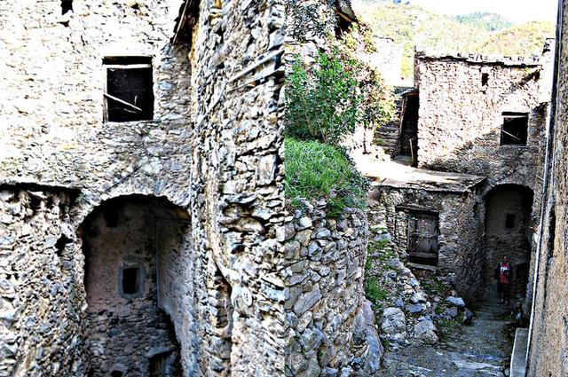 Veravo, Liguria, italy renovation