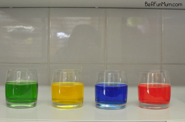 Display cut flower in glasses with food coloring