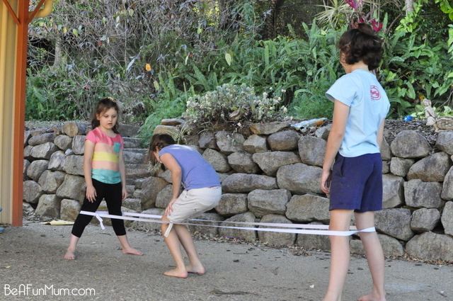 backyard games -- elastics