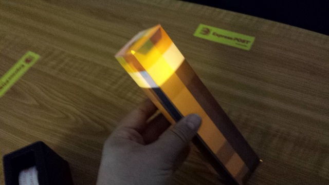 Minecraft torch with flickering light be a fun mum minecraft torch craft solutioingenieria Images