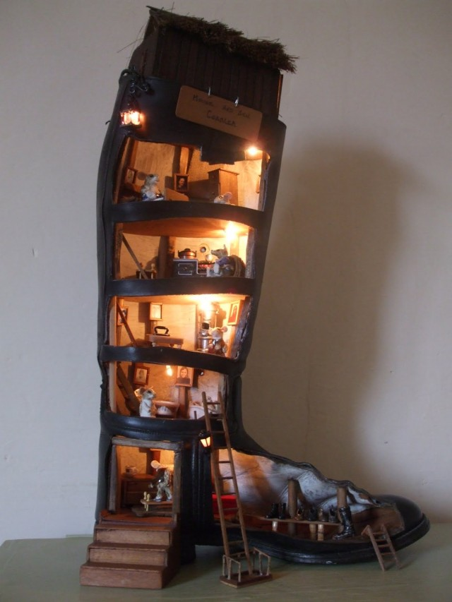 House in a shoe - gorgeous doll house