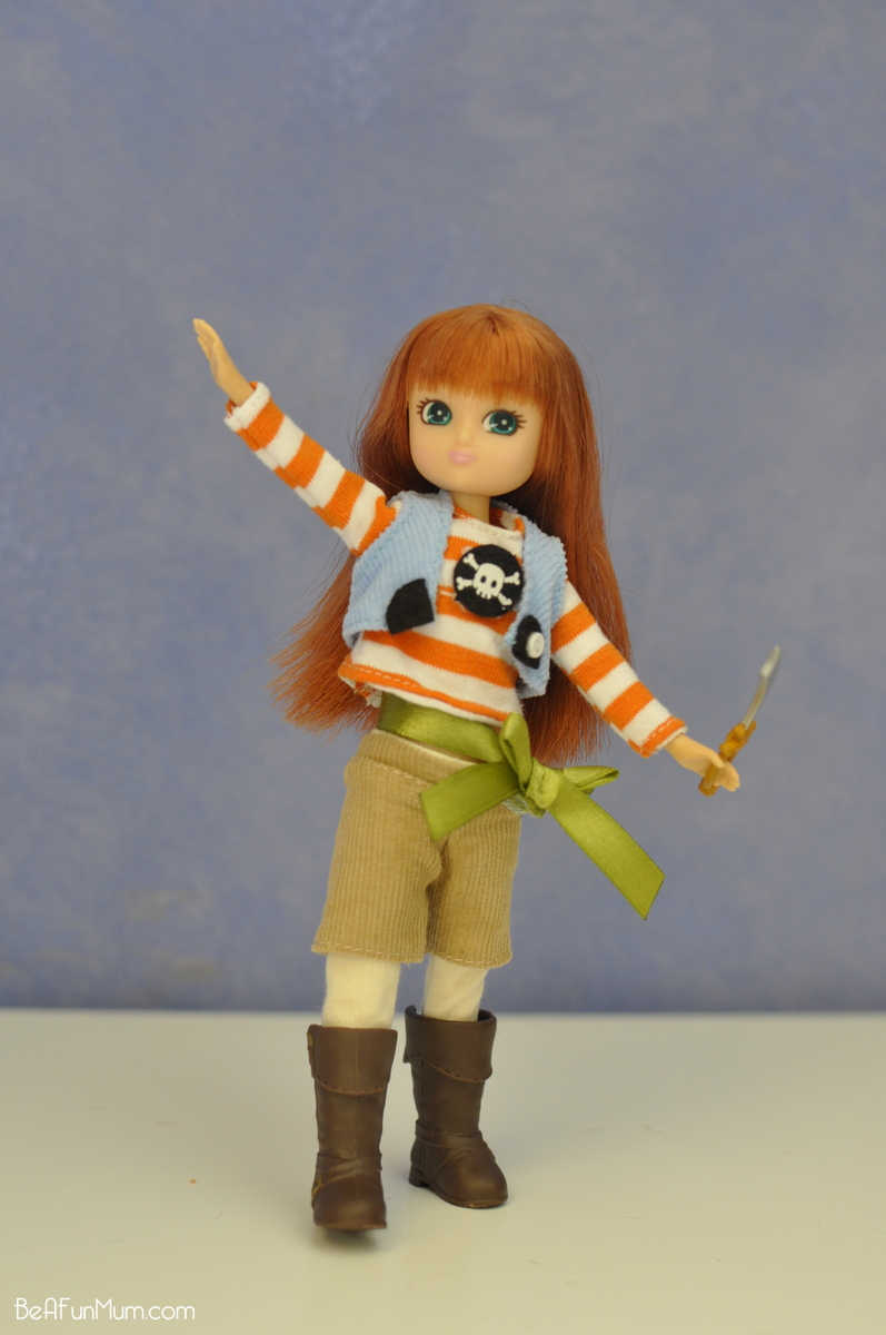 Lottie Doll - Pirate Queen - Posing