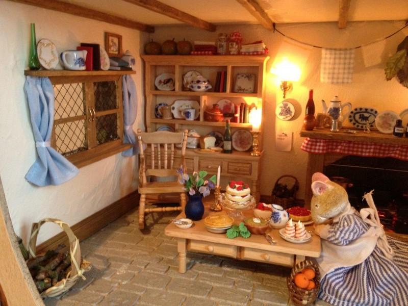 Brambly Hedge - mouse dollhouse - kitchen
