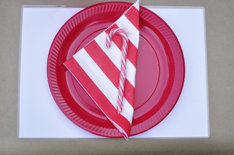 Kids Christmas Table Idea - make your own placemat