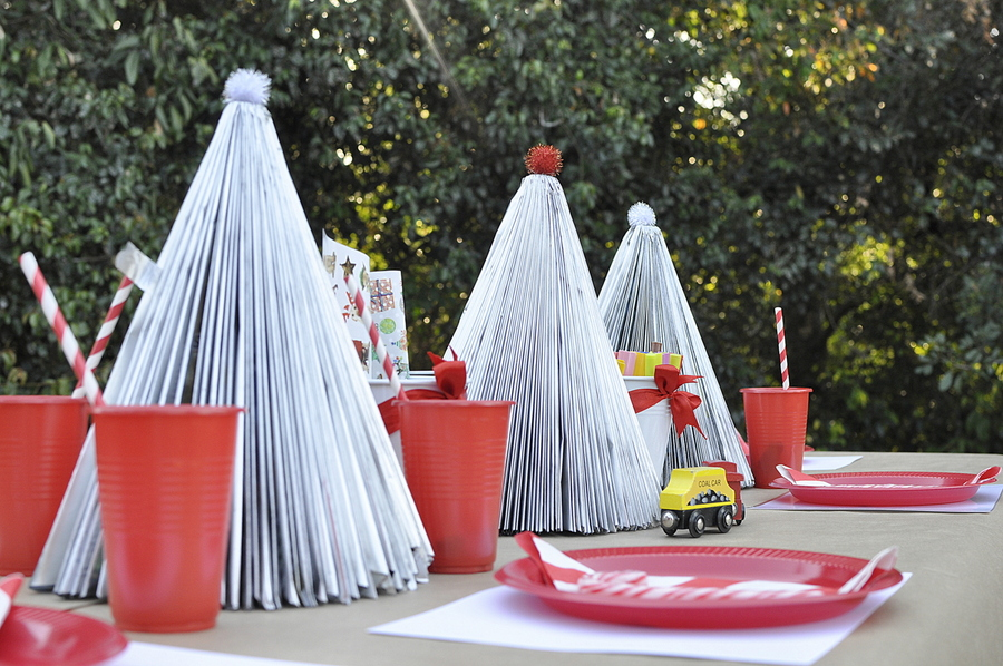 Kids Christmas Table Idea - magazine christmas tree table centre