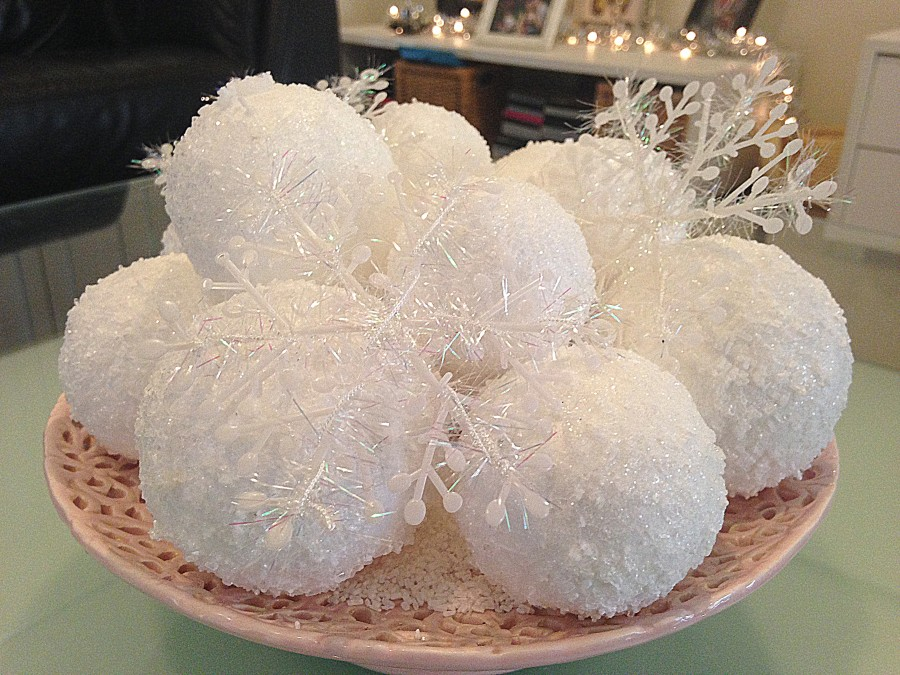 Snowballs Decoration