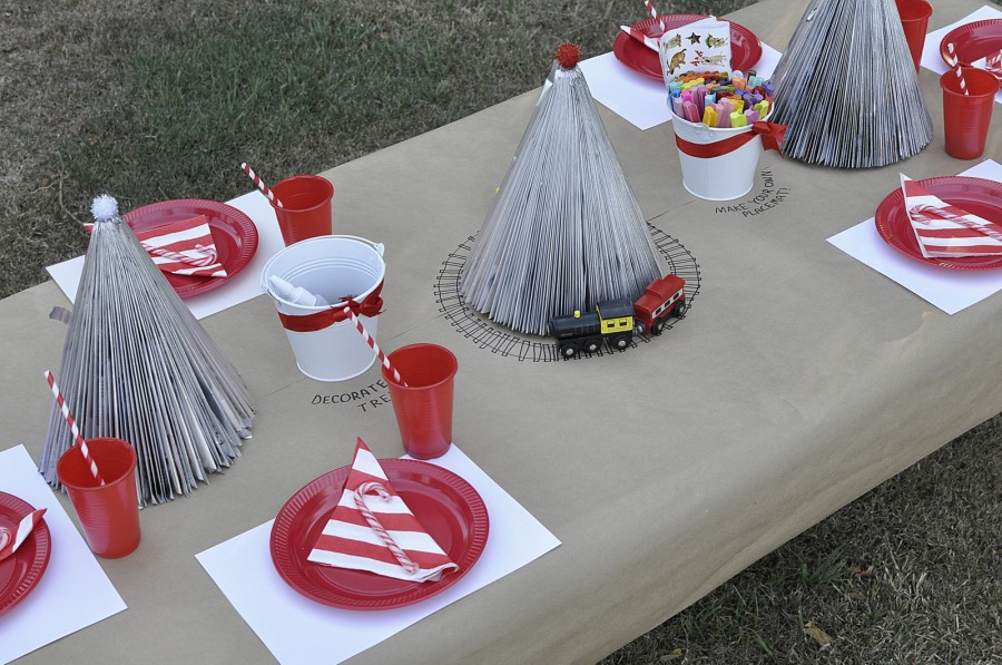 Kids Christmas Table Idea - brown paper table cloth