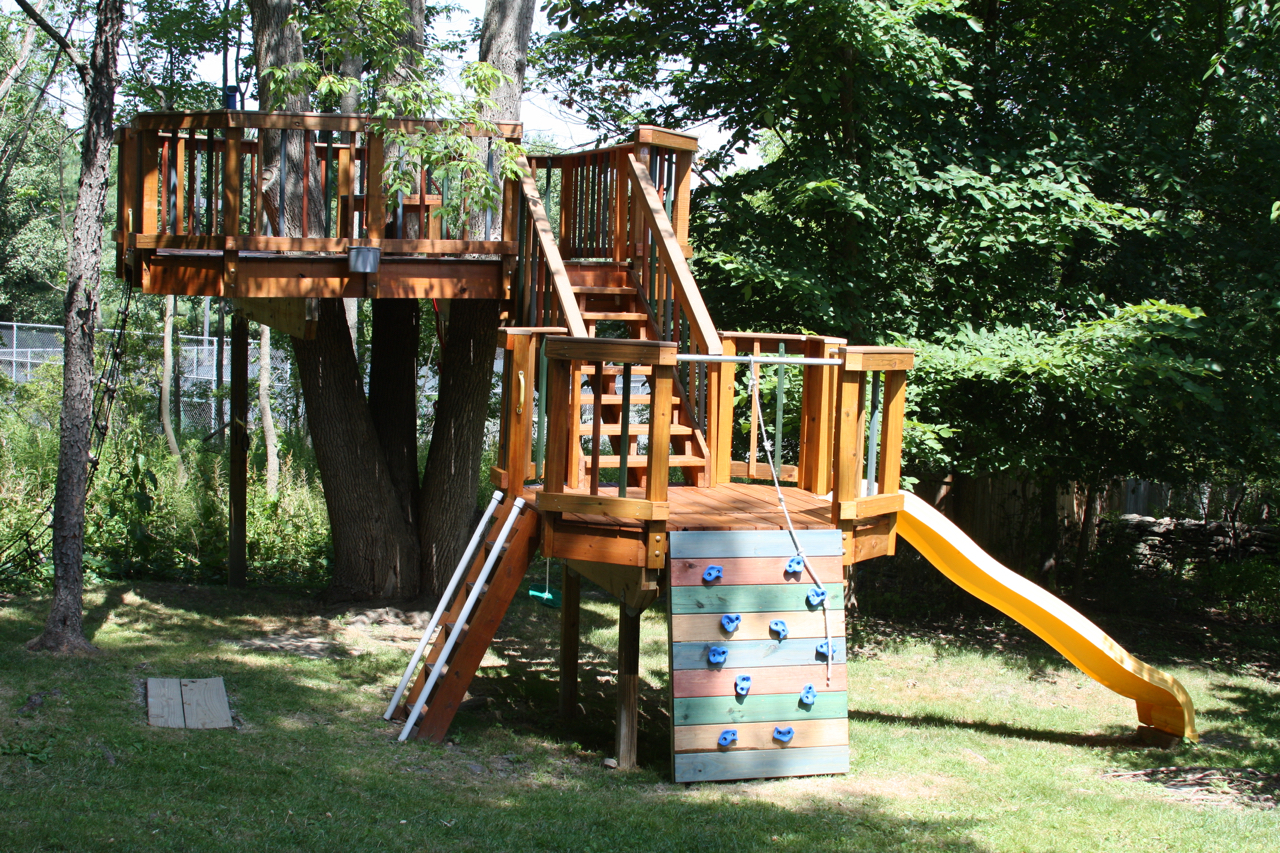 Amazing treehouse Amazing Backyard Treehouse and how