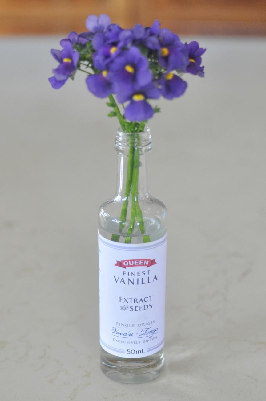 Vanilla Extract Jar - Posy
