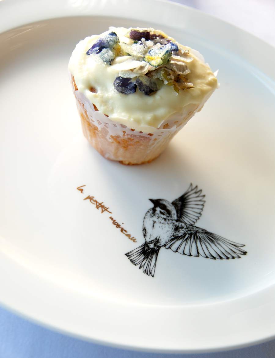 How to make lace cupcake liners with dollies