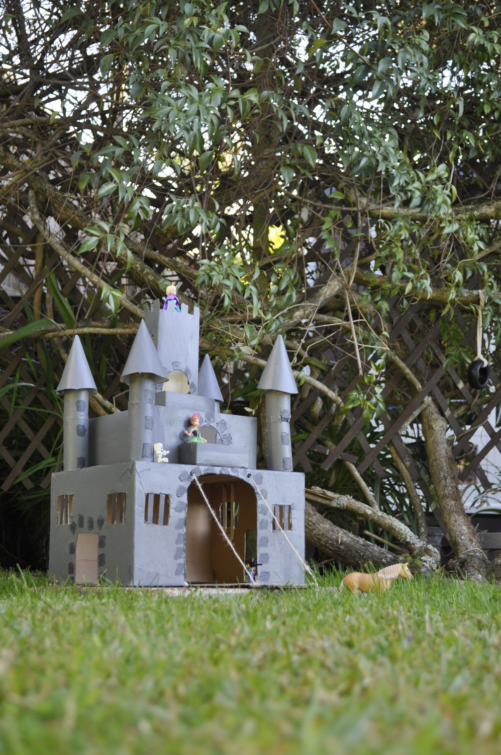 Make a castle out of recycled boxes - how cool is this!