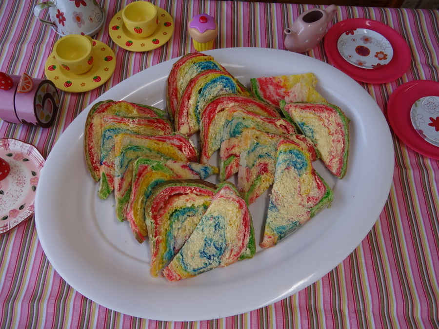 Rainbow party ideas - rainbow bread