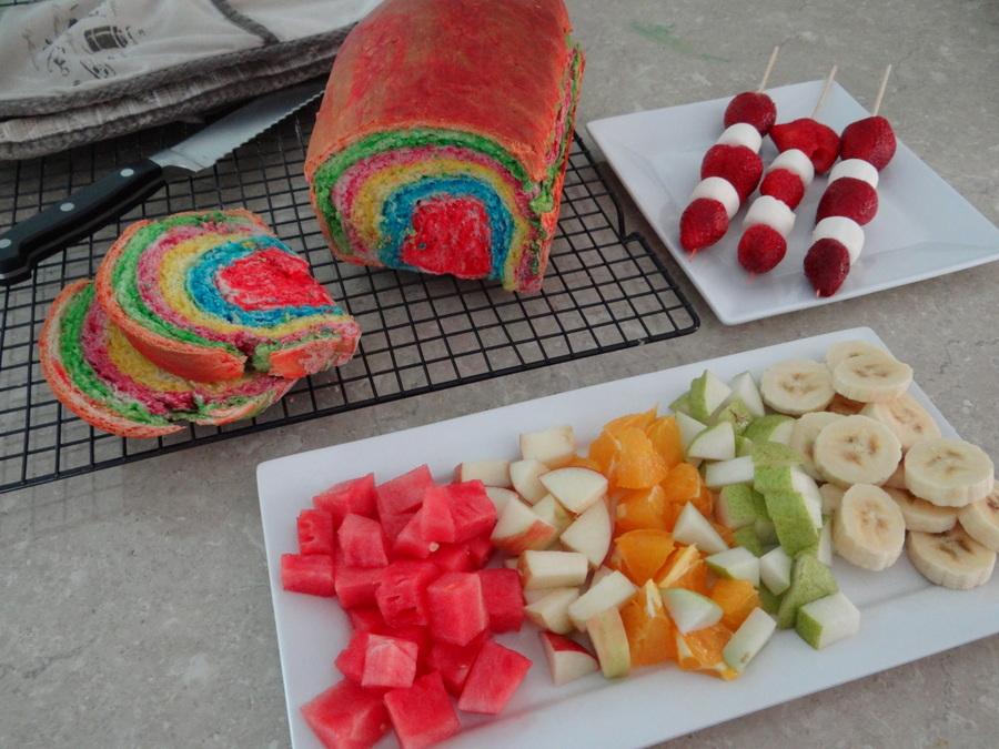 Rainbow party ideas - fruit platter