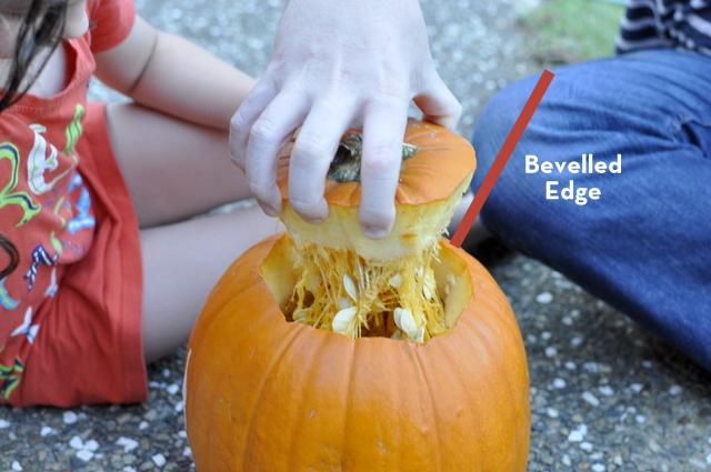 How to carve a pumpkin - Jack O' Lantern