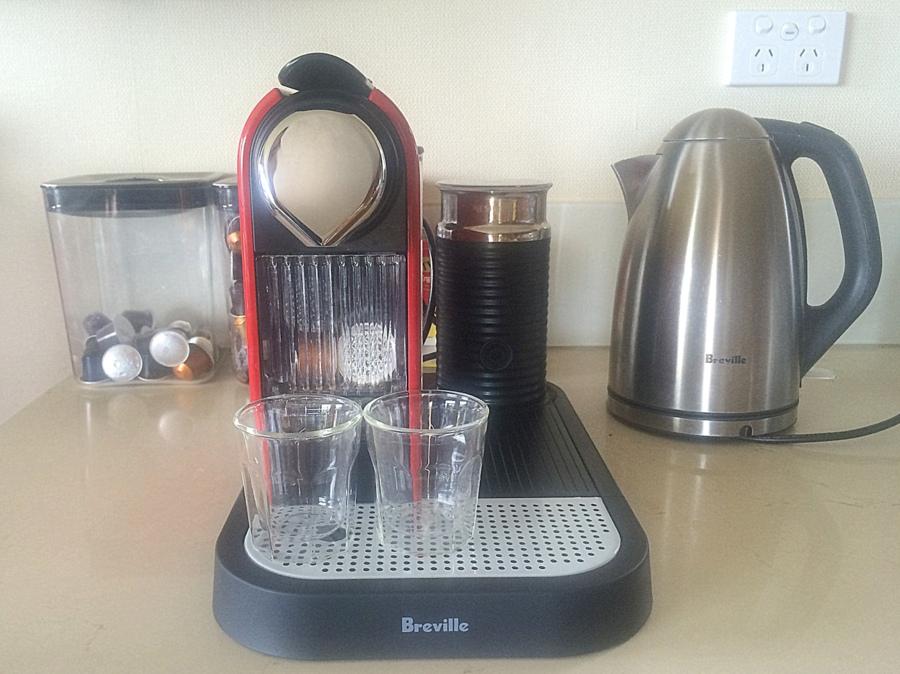 Citiz  & Milk Espresso Machine in red