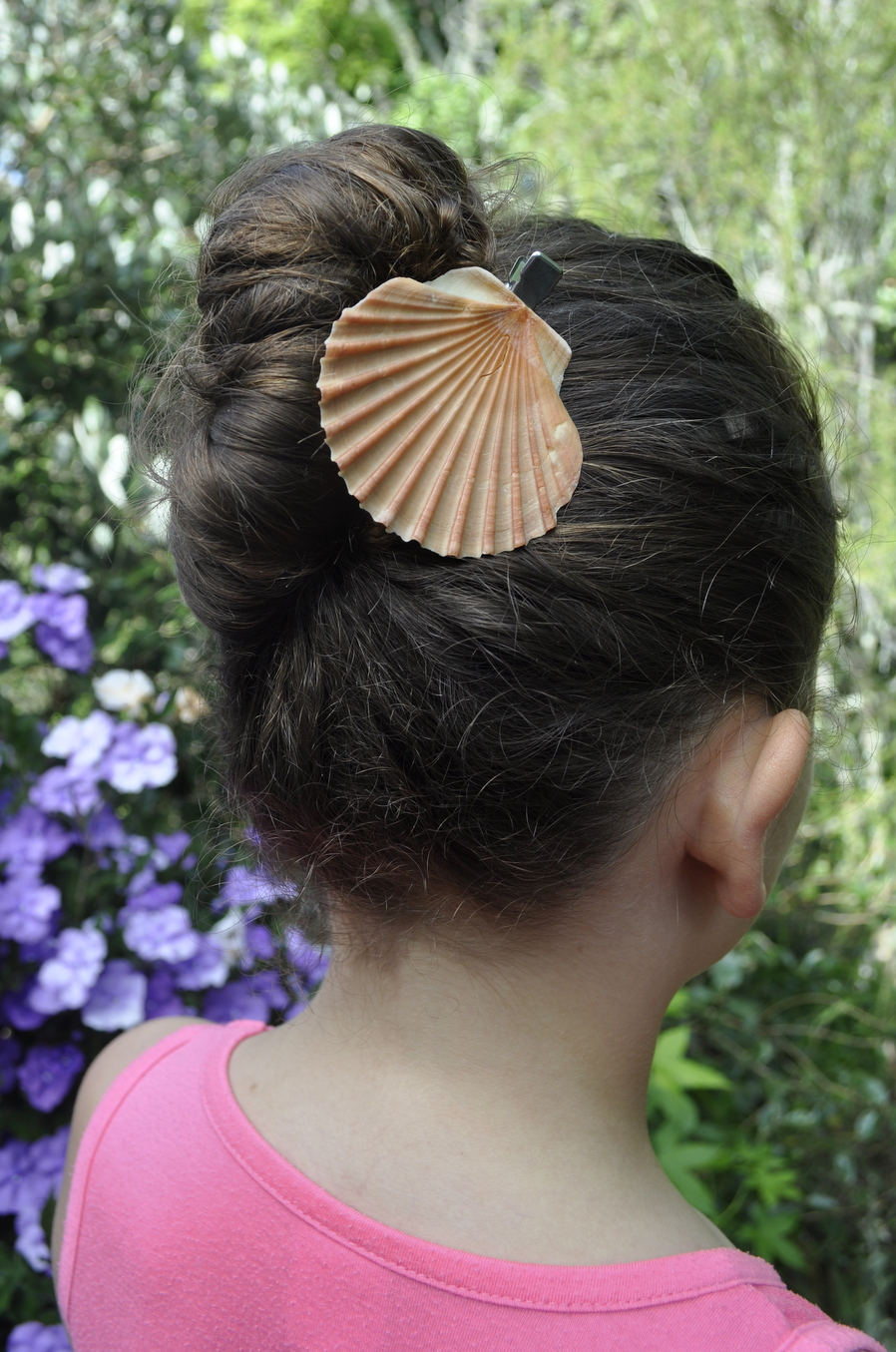 How to make shell hair clips