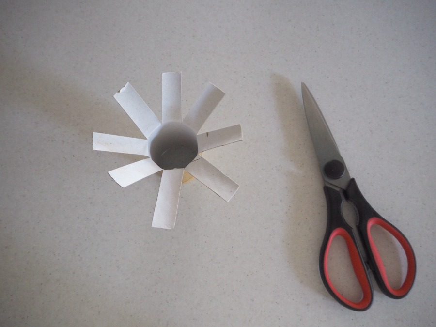 toilet roll flower