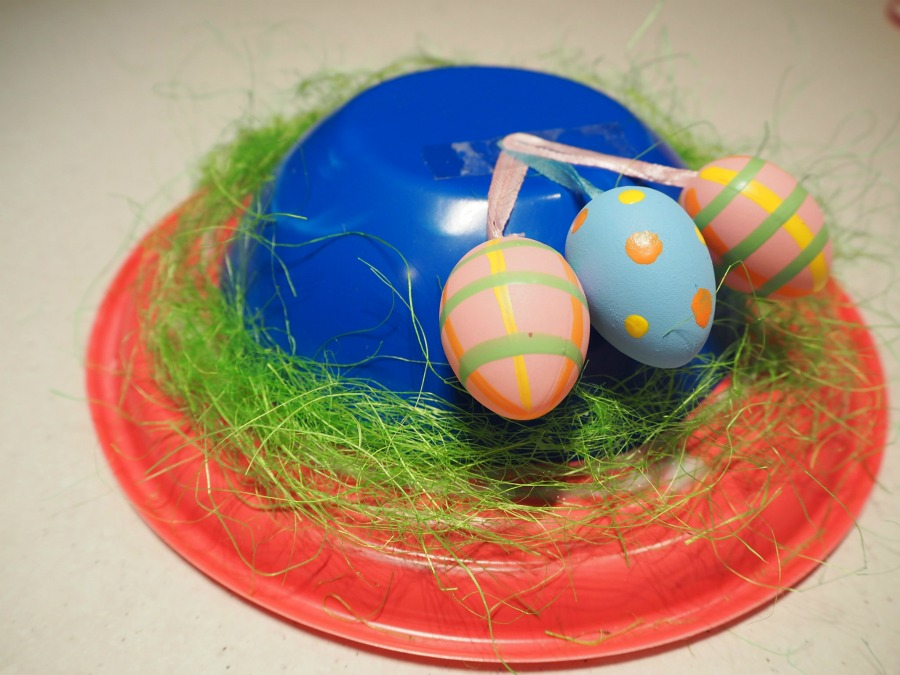 plastic plate easter hat