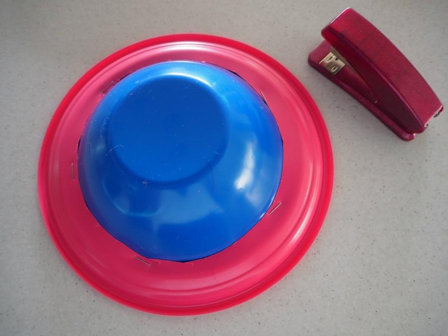 plastic plate easter bonnet