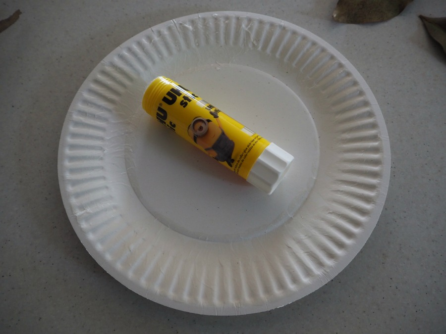 glue on paper plate