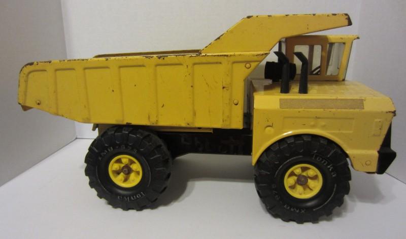 Vintage 1970's Mighty Tonka Dump Truck