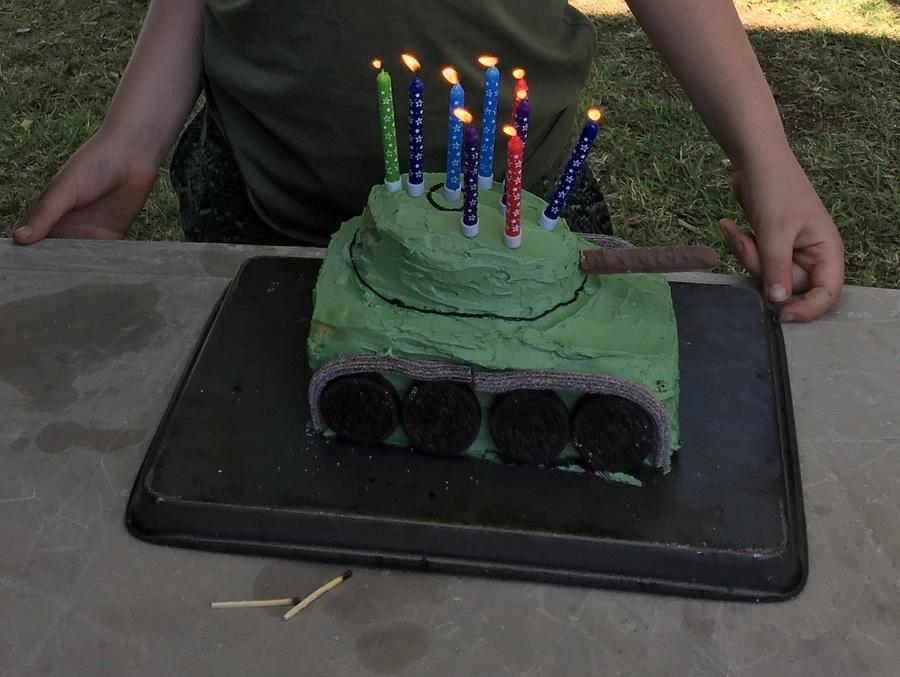 simple tank cake
