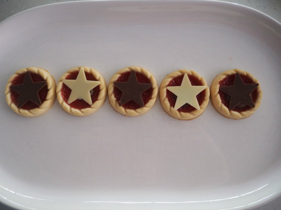 Christmas biscuits star tartlets