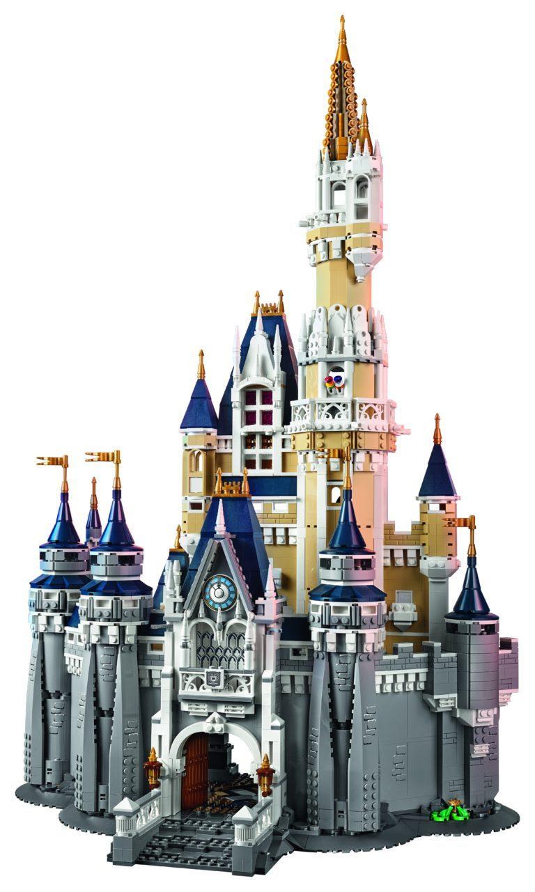 LEGO-71040-Disney-Castle-Front